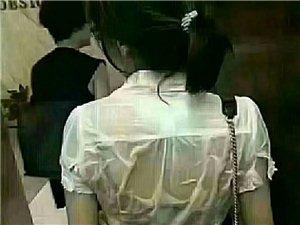 �o�真假,�τ诮^大�等�碚f,勤�^是唯一出路:�@��衣服�裢傅呐�子月薪5�f,她每天不停地找客�簦��s客