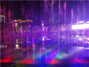 '百年一遇'的龙翔广场的音乐喷泉
