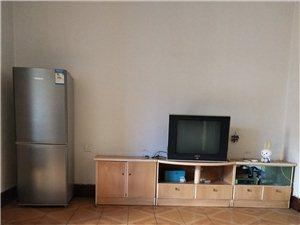 东星大道单位宿舍5楼2室 1厅 1卫600元/月