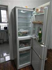 因搬家低价出售美的三门无霜冰箱,95新,无修!