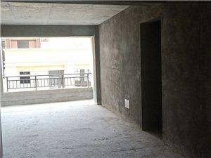 知行园4室 2厅 2卫64.5万元