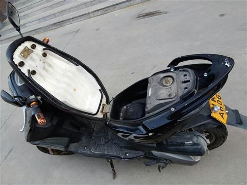 雅马哈 摩托车 (郑州正规专卖店) 国产  骑了一年了,买的3800元,现在不骑了,低价转让!150...