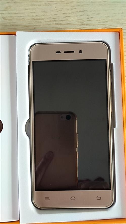 本人出售一臺新手機天翼KINGSUN-F9,沒事出去玩的時候,抽獎抽到的,4G網沒用過,全新的,充電...