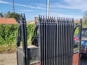 铝合金移动栅栏,打开长6米,便宜甩了,不还价,有意者电话联系。