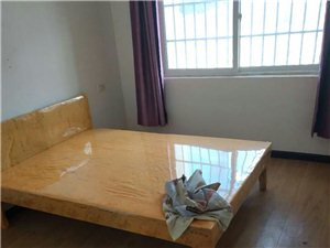 ?磷都雅居4室 2厅 2卫1400元/月