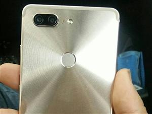金立M7L   全屏9成新面部解锁指纹解锁完好,机身内存64G运行6G  喜欢的可以微我,联系电话1...