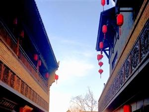 昨天去兴汉胜境看看,发现汉人老家街有了新变化。特别是洗手间的自动冲水令人赞叹!(手机摄影)