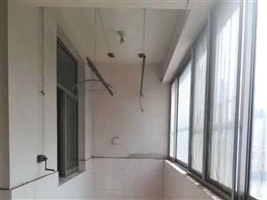 高原小区一楼 105平储藏室22平 75万元