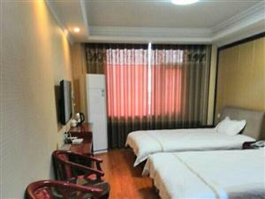 大河快捷酒店目前是威尼斯人游戏网站唐方路口唯一一家大型快捷酒店,价格亲民,集停车住宿餐饮为一体????