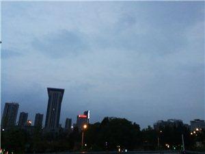 天天下雨,明天中秋节晚上真的能看到月亮吗