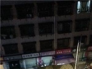 仁寿县的夜宵噪音跟菜市场有得一拼,这环境噪音法不管用还是不想管。