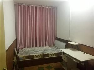 交通局家属楼3室 2厅 1卫1200元/月