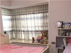 精装三室惊喜价拎包入住给你一个温馨的家...