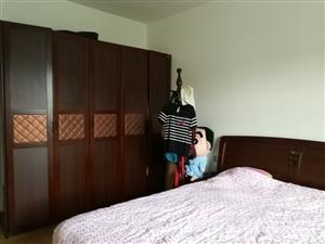 天诚佳苑5室3厅2卫急售