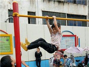 一年级的孩子,臂力很好。不知可适合练体操?