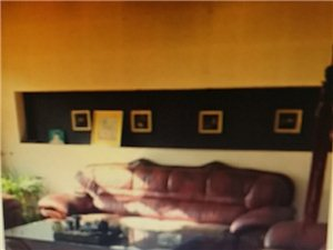 新世纪小区5室 2厅 3卫245万元