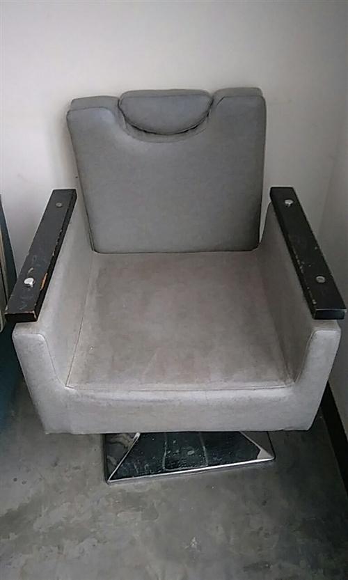 有需要的朋友可以看哈,都是新的家里沙发椅子太多了用不上,买新的这个椅子价格480