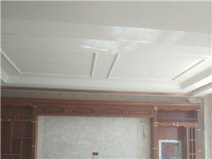 专业承接旧房翻新粉刷修补泡水墙撕壁纸乳胶列逢修补