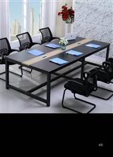 会议桌+椅子,买了用了一个月崭新。价格看货面议。