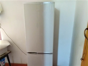 本人有冰箱,洗衣机处理,价格优惠,来电请打电话18166360641,地址在老城这边