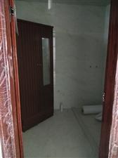 芹南路4室 2厅 2卫152万元加柴棚