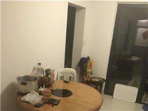 宝龙城市广场4室 2厅 2卫198万元