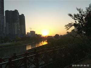 向阳河晨光