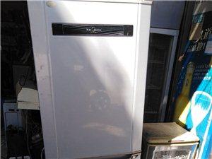 出售180升美的冰箱一台,结实耐用