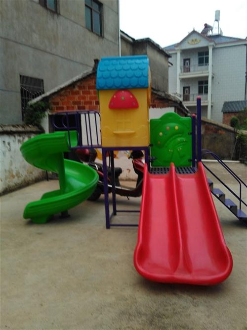 幼儿园滑滑梯、桌椅、玩具木马?#22270;?#36716;让 13767836858