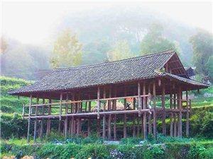 现家中有一栋木房子,房子七柱结构,房瓦柱头都是全新的,没有住过,房子目前只是构架,(如下图)没有装修...