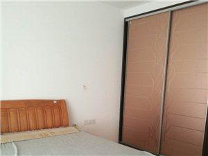 君悦华庭3室2厅2卫2500元/月带家具