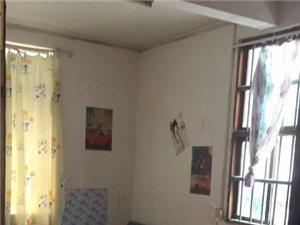河滨西路单间带厕所1室1卫220元/月