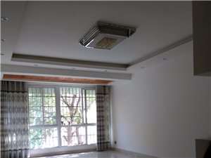 清华园3室 2厅 2卫62.8万元