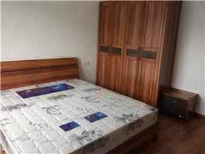 黔龙阳光花园3室 2厅 1卫1800元/月