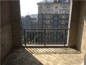 桂花城一期大四居,4室2厅2卫104万元