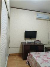紫云街黄金楼层空调有3台950元/月