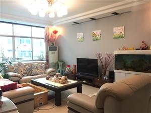 联一小黔中学区房精装4室2厅2卫92.8万元