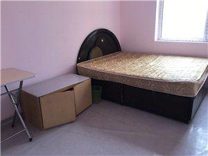 四季华城B区4室 1厅 1卫500元/月