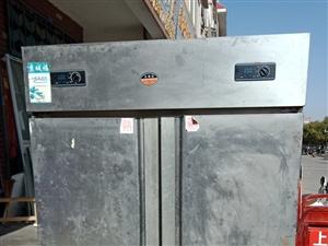 四门冷冻冰箱