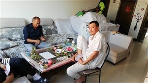 布艺沙发用了不到两年  亲戚新沙发到家两个多月了怕压坏所以着急出售原来沙发 价格可力 总长3.8米