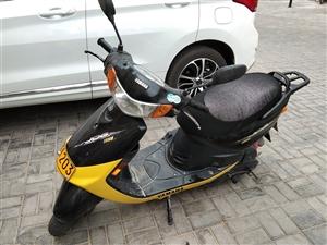 雅马哈摩托车,日本原装发动机,自买上到现在从来没有一点毛病,一口价2000元.