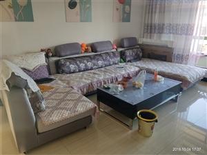 成套沙发出售  总长4米  贵妃床长1.9米  9成新