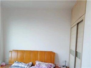御景华府电梯房 精装修3室 2厅 1卫110万元