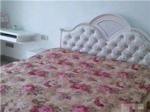 世纪豪庭4室 2厅 2卫3300元/月