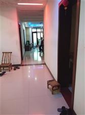 东晋华庭对面4室 2厅 2卫75.8万元