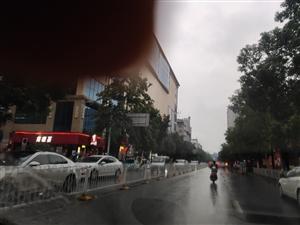 步行街红绿灯设计弊端多