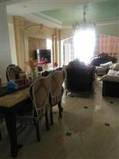 阳光大院4室 2厅 2卫210万元