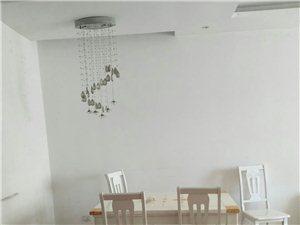 路�l�髁志G洲3室 2�d 1�l1300元/月