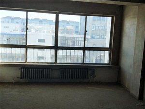 五一街区3室 2厅 1卫56.5万元