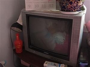 低价出售康佳21寸电视机,可以正常使用,附送一个通用版价值18元的遥控器